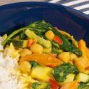 Morele i szpinak w sosie curry