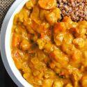 Kokosowe curry z dynią i ciecierzycą