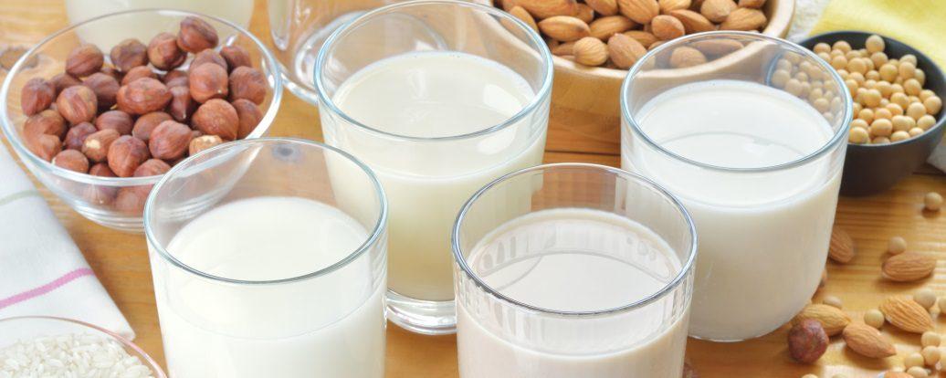 Wegańskie alternatywy dla mleka: przegląd