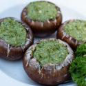 Pieczarki nadziewane orzechowo- ziołowym pesto