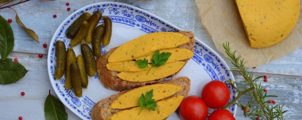 Wegański żółty ser